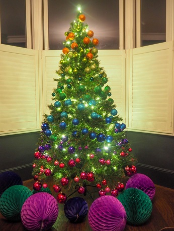 Rainbow Christmas Tree @Houselust