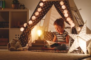 How to make your children's room a magical Christmas grotto.