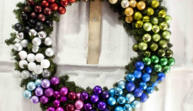 A colourful Christmas – What is the best option for you?