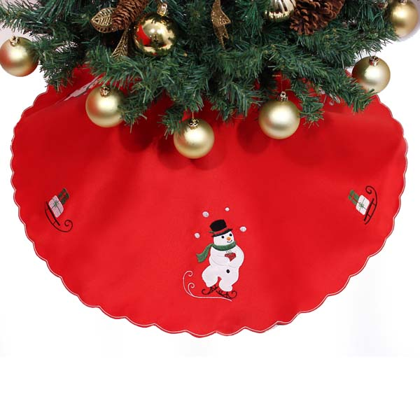 Peggy Wilkins Skating Snowman Design Tree Skirt