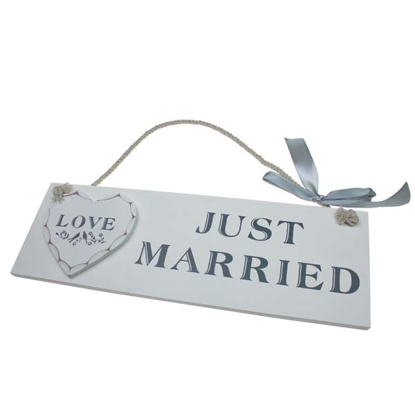 White Wooden Just Married Hanging Plaque