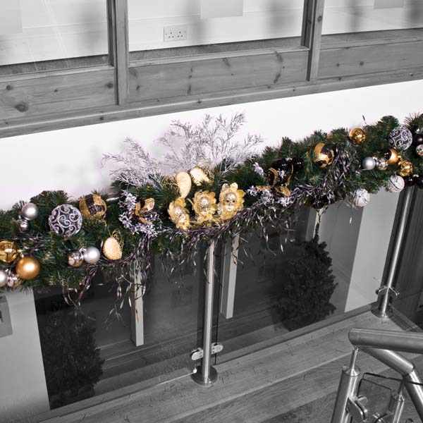 Ebony Champagne Garland Theme Decorating Pack
