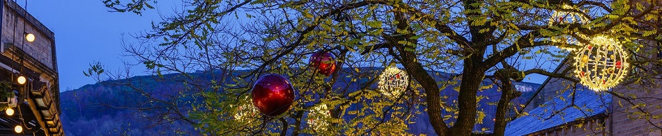 Commercial Baubles