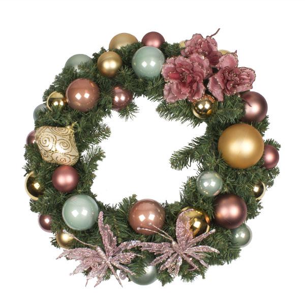 Nostalgic Christmas Theme Range - 60cm Pre-Decorated Wreath