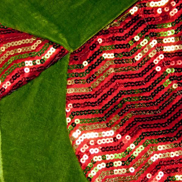 Red, Green & Gold Opulent Scalloped Edged Tree Skirt - 122cm (014-21600-RGG)