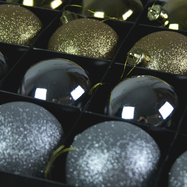 Sparkle Whites Shatterproof Baubles - 16 x 60mm