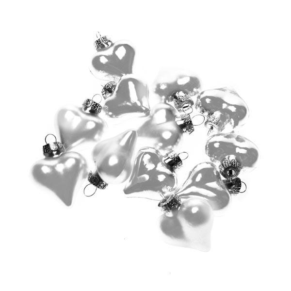 Ivory Glass Hearts - 12 x 40mm