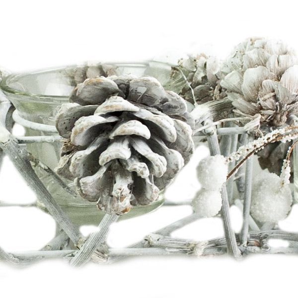 Gisela Graham Frosted Natural Twig & White Berry Triple Candle Holder (203-26641-TR)
