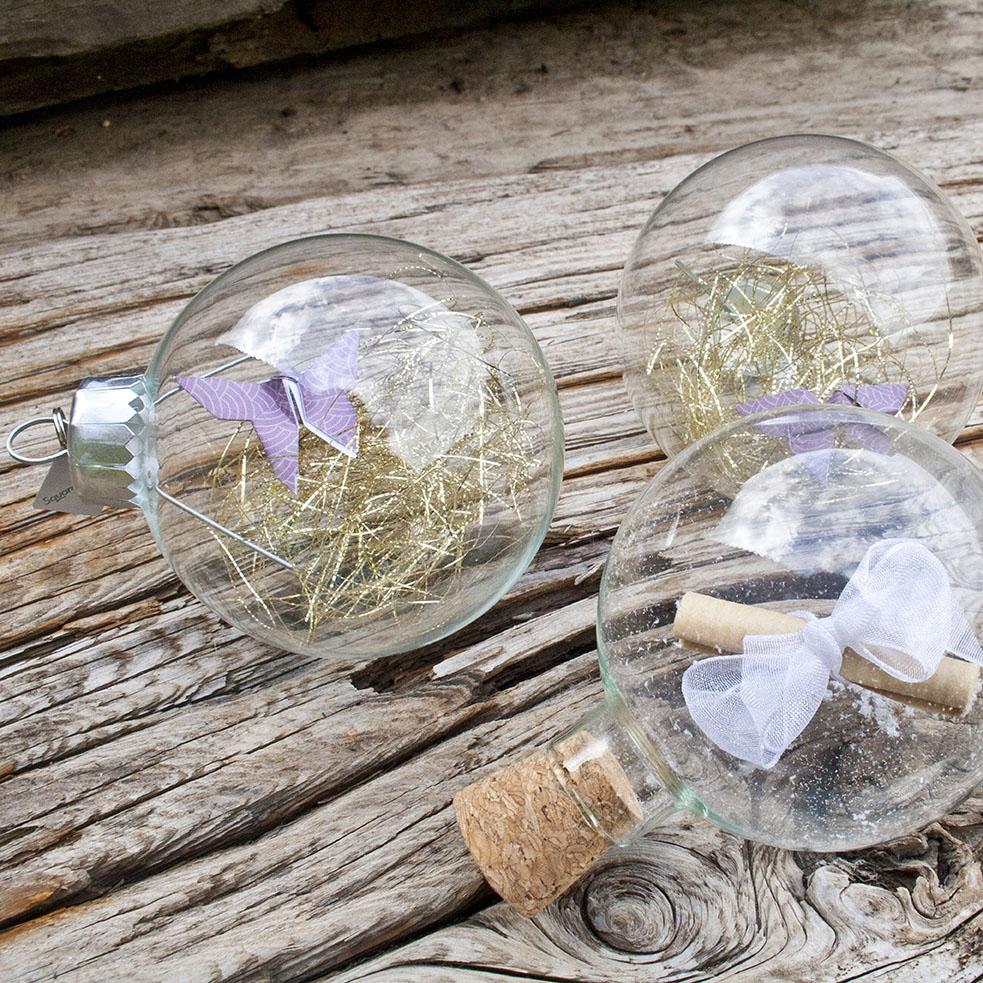 Tray Of 24 Clear Glass Baubles - 66mm