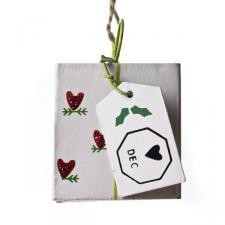 Gisela Graham Angel Post Red Heart Design Decoration - 4cm x 4cm Metal Parcel