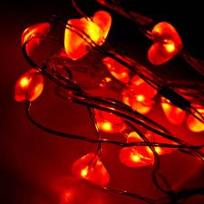 Konstsmide 1m Length Of 20 Red Heart Indoor Static Or Flashing Battery Operated LED Fairy Lights Metallic Cable